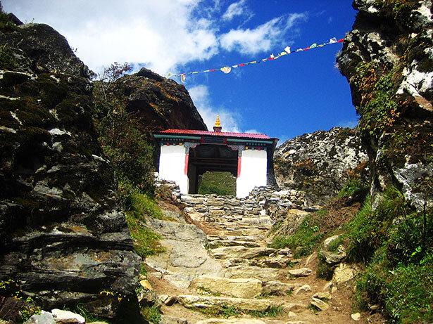 Puerta tibetana camino a Dingboche