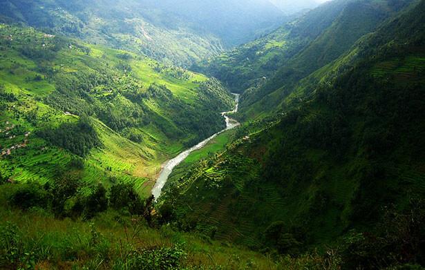 El verde intenso en los valles alrededor de Jiri