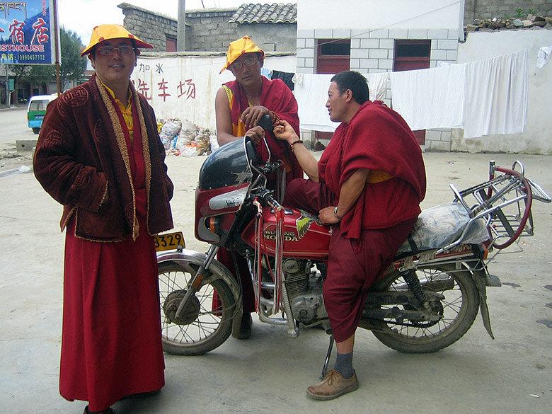 litang-monjes