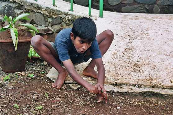 india-voluntariado-jugar