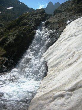 cascada-alpes-italia