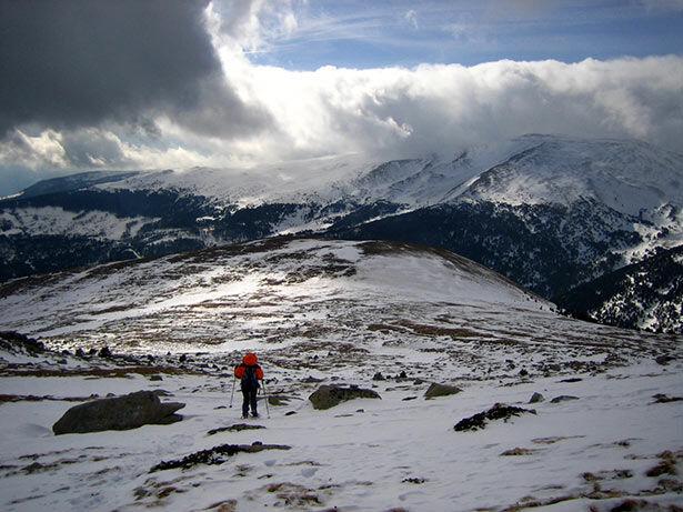 El descenso desde el Puipedrós con vistas al Cadí