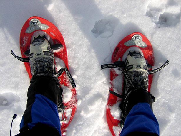 Las raquetas de nieve se pueden alquilar si no vas a hacer un uso muy frecuente