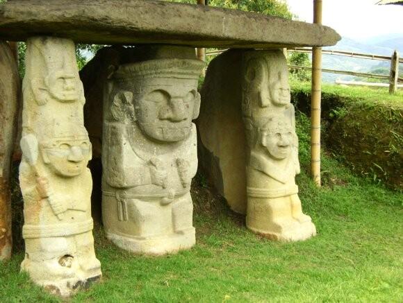Esculturas precolombinas de San Agustín
