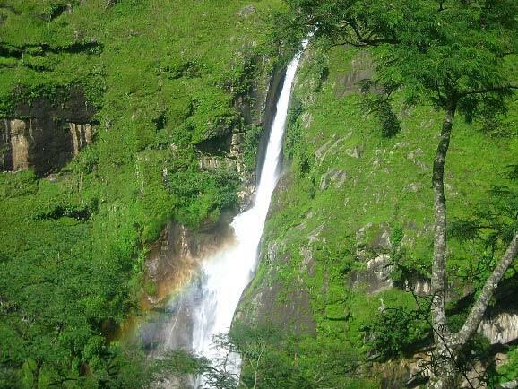cascada-annapurna