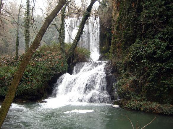 monasterio_cascada