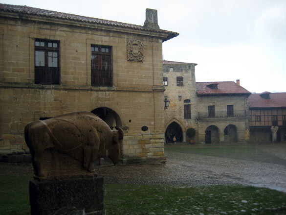 santillana-mar-plaza-mayor