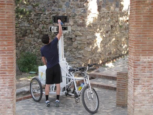 Limpiando las cámaras del Triciclo Google Street View