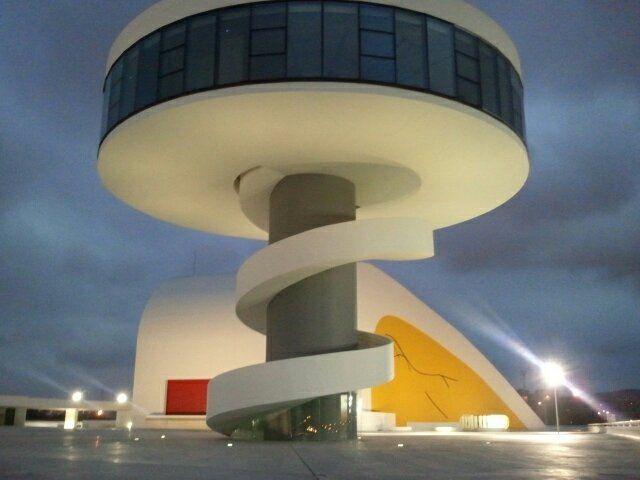 Torre-Mirador, Niemeyer