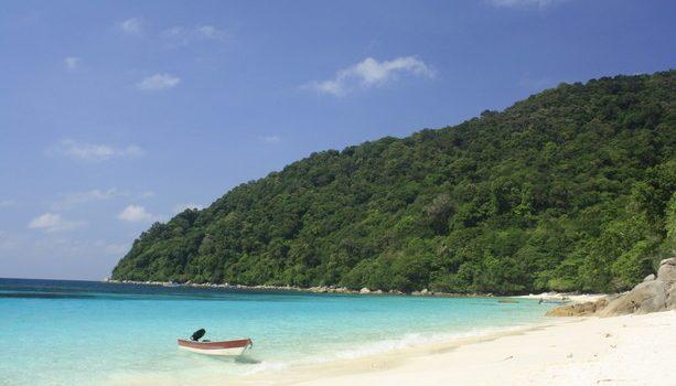 Playa paradisíaca en Perhentians Island, lado Este de Malasia
