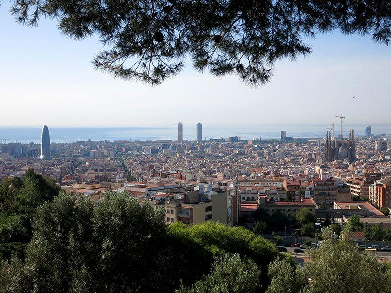 Vistas desde lo alto del Turó de la Rovira a Barcelona