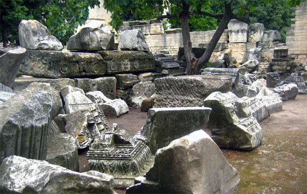 ruinas_teatro_romano_arles