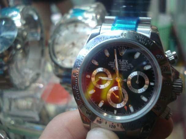 Reloj en Pat Pong Market