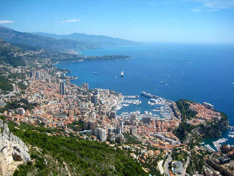 Vistas a Mónaco desde Le Turbie