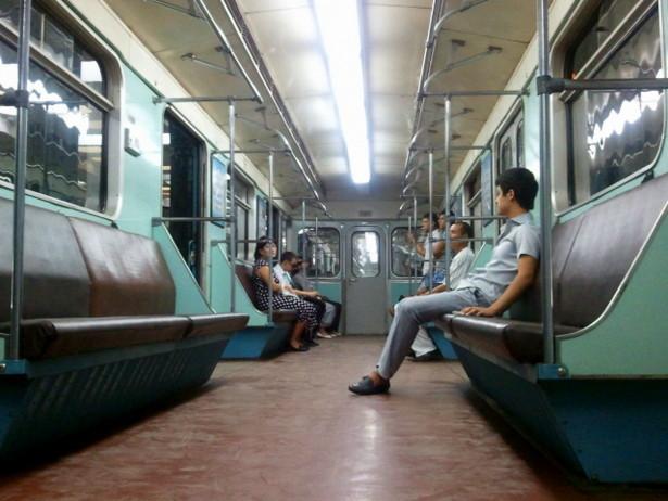 Vagón en el Metro de Tashkent