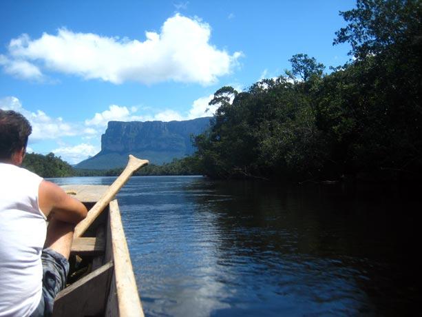 canoa-canaima-churrun