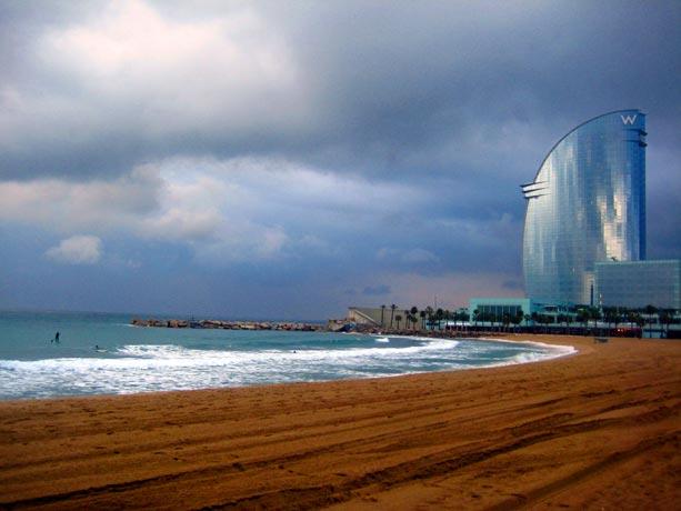 Bcnow una noche en el hotel vela de barcelona viajablog Hoteles en barcelona ciudad