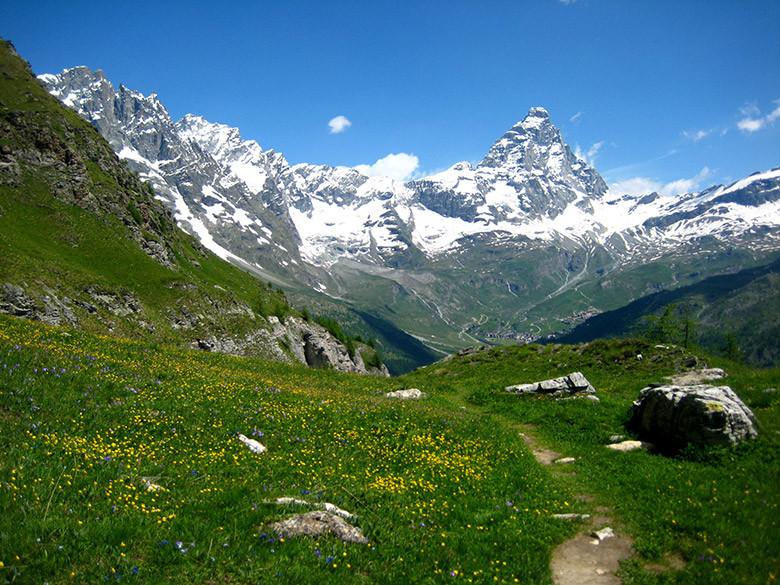 El clásico Monte Cervino o Matterhorn en los Alpes italianos