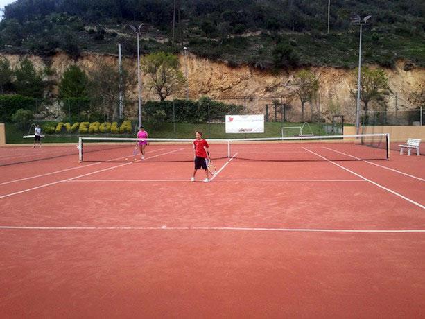 actividades-deportivas-en-el-Club-Giverola