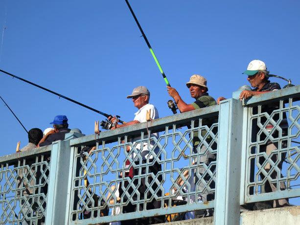 pescadores-galata-estambul