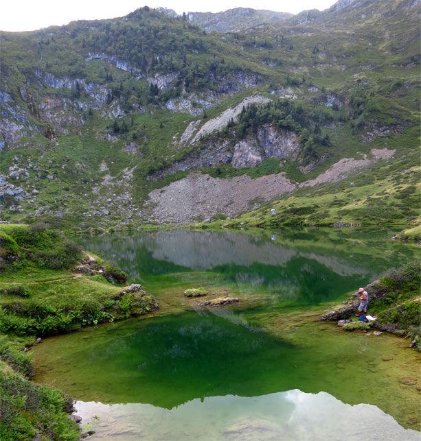 reflejo-lago-ariege-pirineos