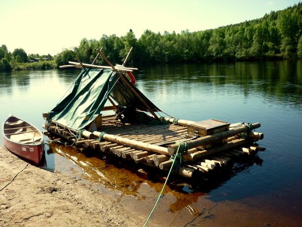 Nuestra obra de arte. Más de 4 horas de duro trabajo y ¡A descender el río!.