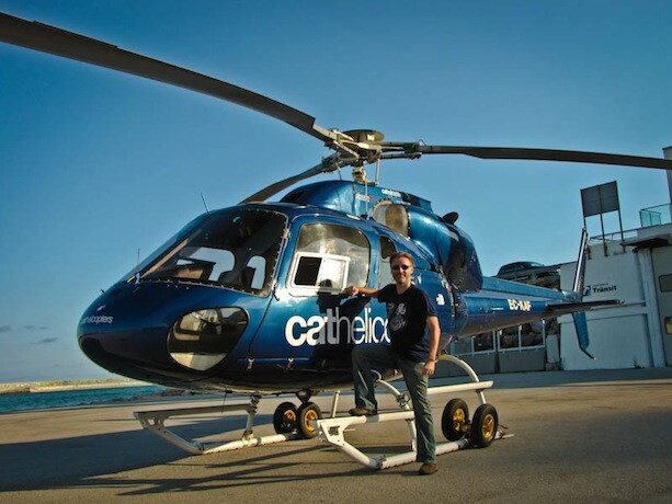 Avistu posando helicoptero barcelona