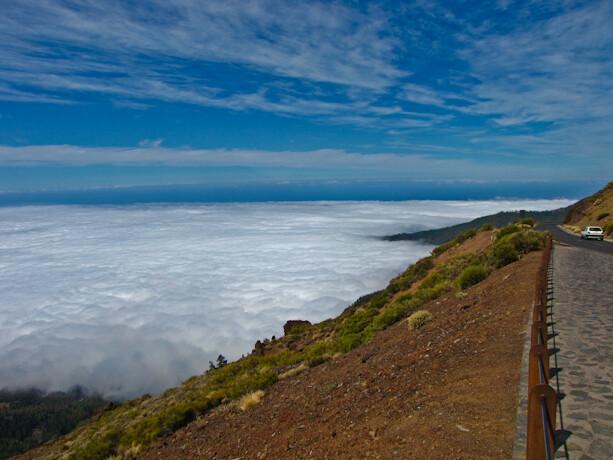 Mar de nubes en el Valle de la Orotava en Tenerife