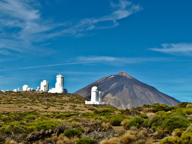 Observatorio del Teide (Izaña) y vista al Teide en Tenerife, Islas Canarias