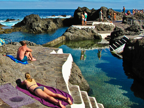 3 razones para viajar a tenerife adem s de sus playas for Piscina natural de puerto santiago