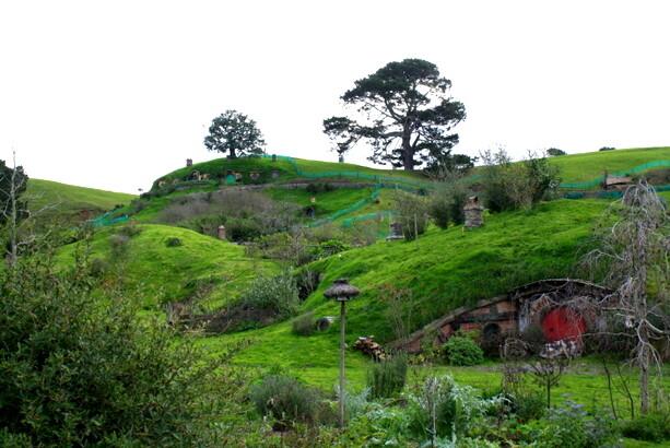 La colina de Bolsón Cerrado, con el roble en la cúspide, justo encima de la casa de Bilbo