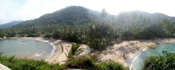 Las vistas desde las hamacas del montículo del Cabo de San Juan de Guía sn envidiables