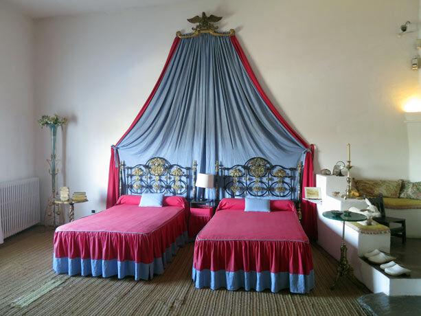 cama-museo-dali