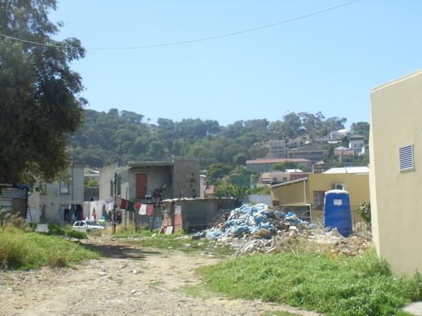 Casas cercanas al centro de Ciudad del Cabo. Gran contraste en pocos metros