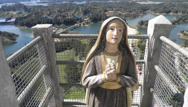Las vistas desde lo alto del Peñón de Guatapé claramente han sido bendecidas