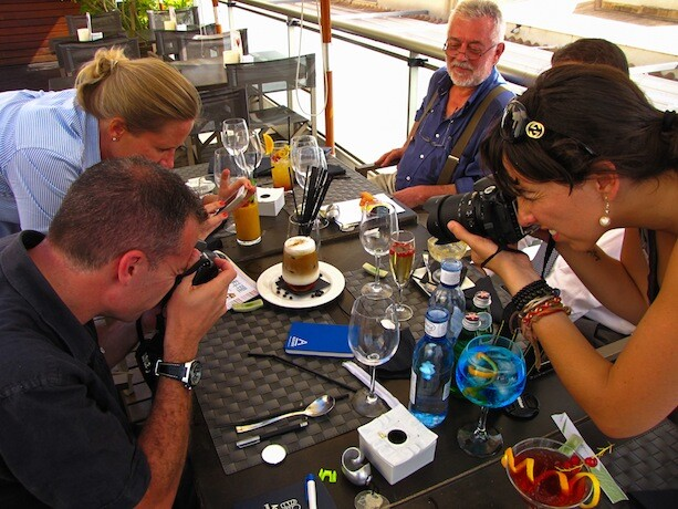 Blogueros haciendo famoso un café