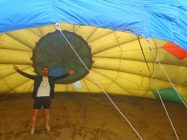 Las dimensiones de la lona del globo te hacen sentir enano