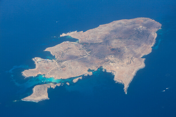 Comino en Malta desde el aire