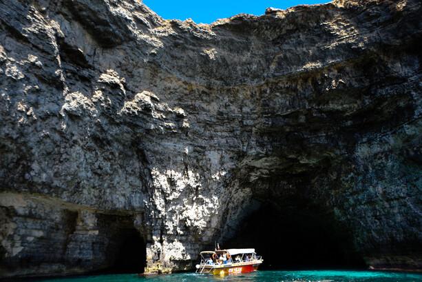 Cuevas Acantilados Comino Malta