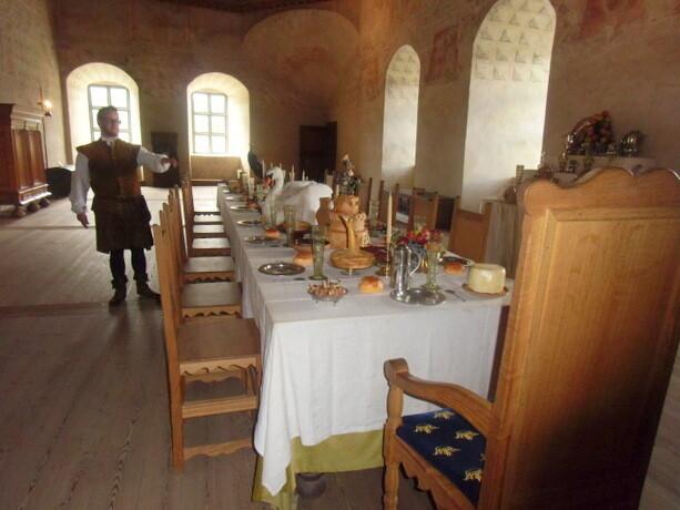 Nuestro guía Kristian disftrutaba en el comedor del castillo