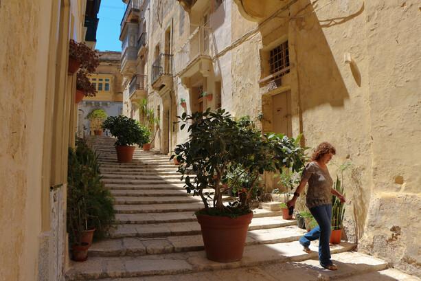 Callejuela en Birgu (Vittoriosa), Malta