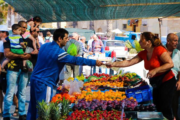 Mercado de pescadores en Marsaxlokk en Malta