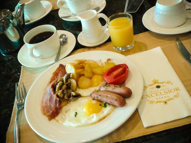 Desayuno buffet Grand Hotel Excelsior La Valletta Malta