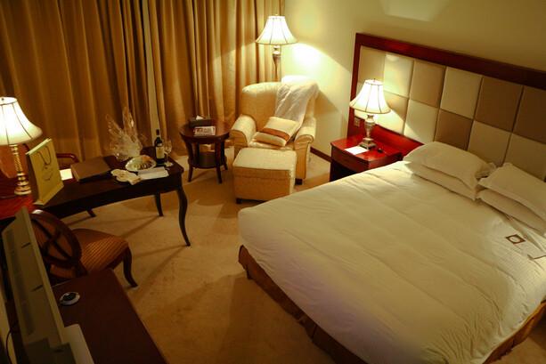 Deluxe Room Partial Sea View Grand Hotel Excelsior La Valletta Malta