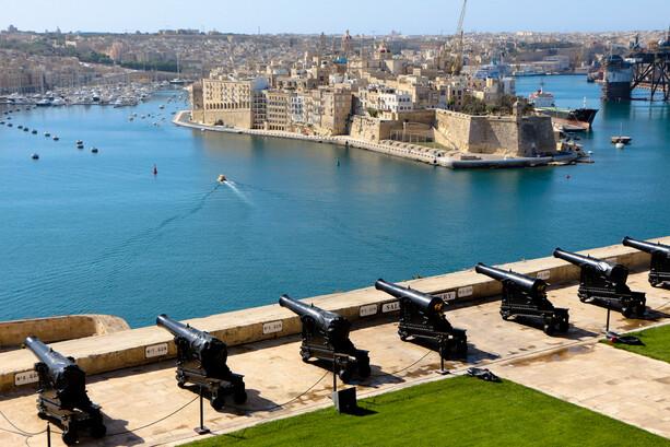 Puerto y Tres Ciudades desde Upper Barrakka Gardens, La Valletta, Malta
