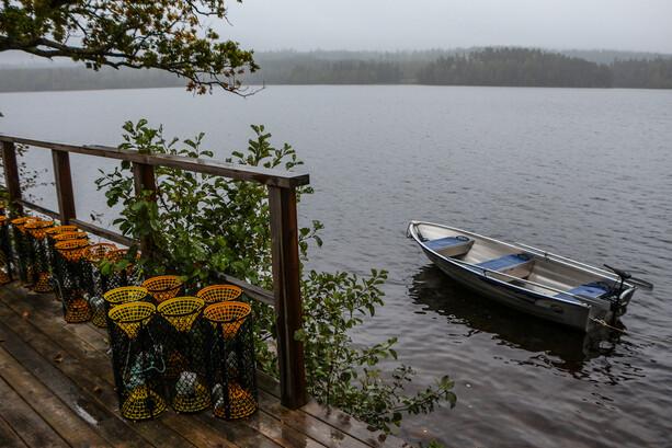 El lago Klockesjön desde Ramoa en Ramkvilla