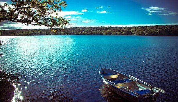 Lago Klockesjön en Ramkvilla, Suecia (c) Avistu