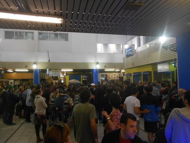 Ambientazo dominguero en el Mercado de San Fernando