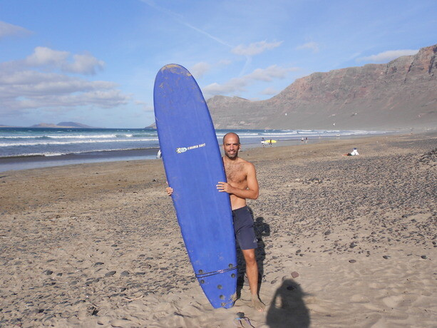 Con mi tabla de Calima Surf