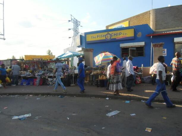 Una calle cualquiera de Soweto